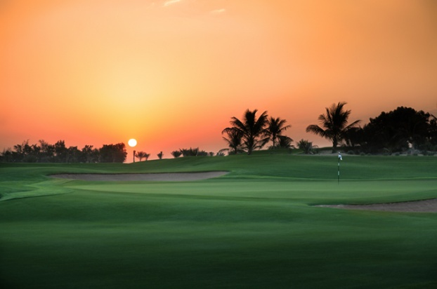 Golf breaks at Abu Dhabi Golf Club, United Arab Emirates. GRD Rating: 8.6