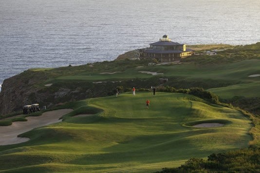 Golf breaks at Pinnacle Point Beach & Golf Resort, South Africa. GRD Rating: 8.7