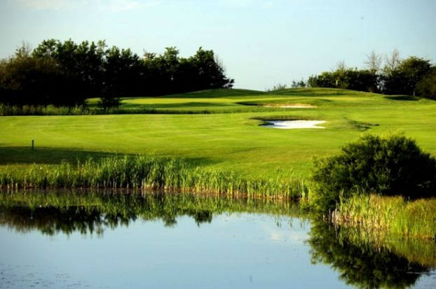 Golf breaks at The Wiltshire Hotel, Golf And Country Club, England. GRD Rating: 8.2